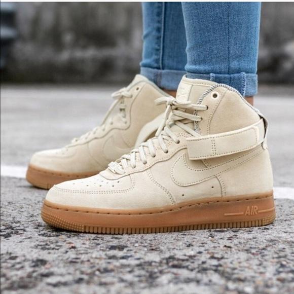 Nike Air Force 1 Hi SE In
